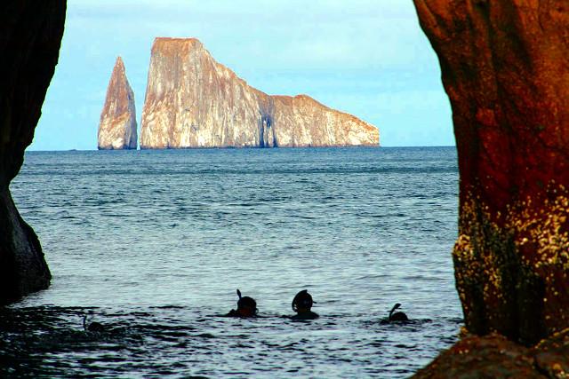 Ecuador-Galapagos-Snorkeling-Kicker-Rock