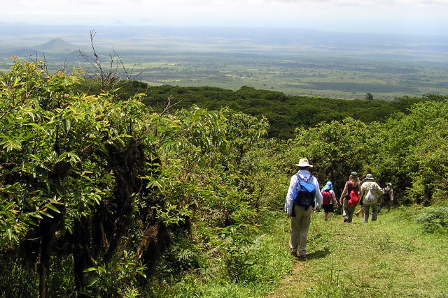 Ecuador-Galapagos-Hiking