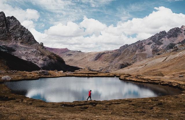 Peru-Ausangate-Trek-Lake