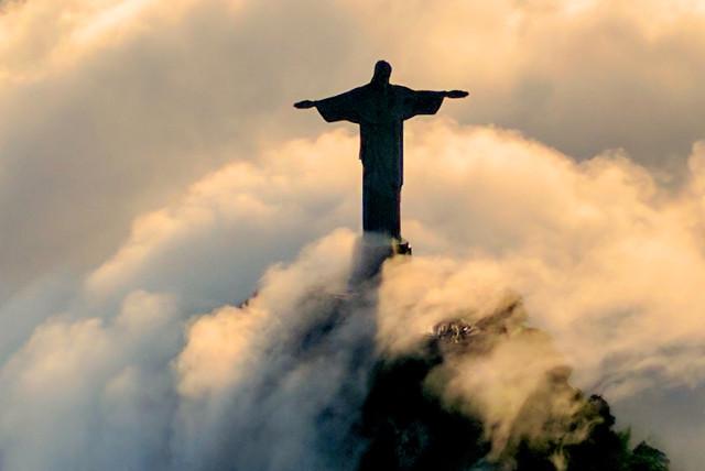Best-of-Brazil-Rio-de-Janeiro-Christ-the-Redeemer