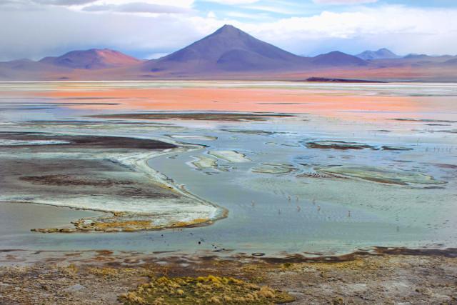 Bolivia-Uyuni-Salt-Flat-Colored-Lagoons-Landscapes