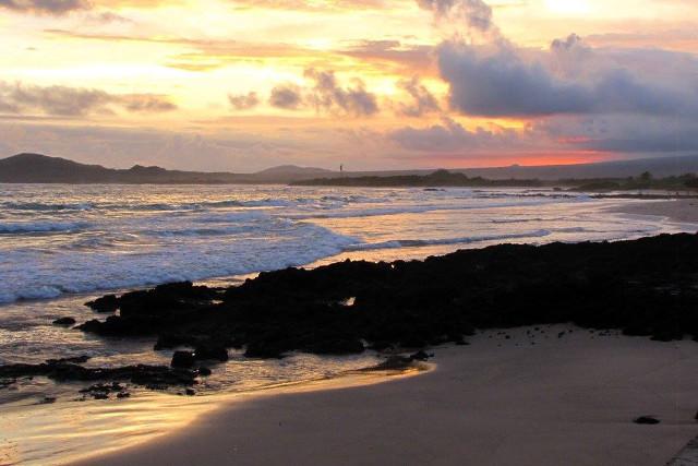 Ecuador-Galapagos-Island-Hopping-Isabela-Beach