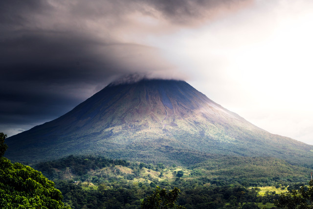 Costa-Rica-Family-Holiday-Arenal-Volcano