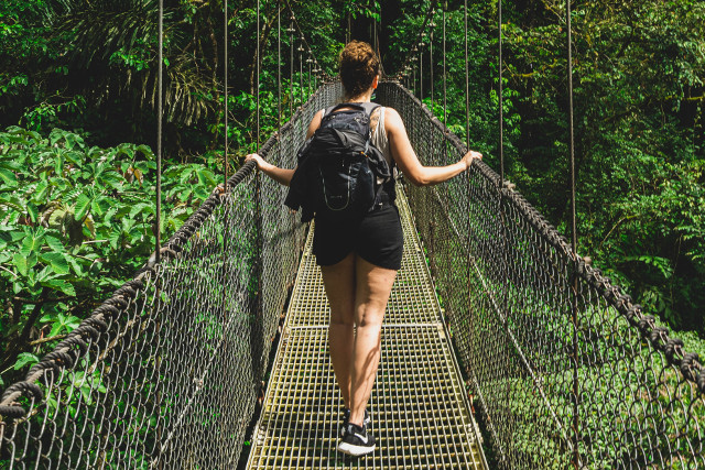 Costa-Rica-Family-Holiday-Hanging-Bridges