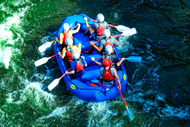 Costa-Rica-Family-Holiday-Rafting