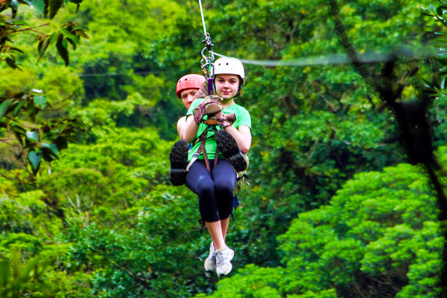 Costa-Rica-Family-Holiday-Zip-Lining