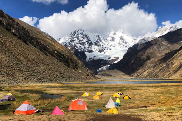 Peru-Hiking-Huayhuash-Circuit-Camping